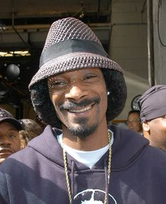 Snoop Dogg Arrive at 'Live with Regis and Kelly' - May 4, 2005