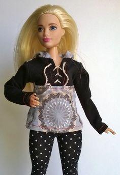 Curvy Barbie hoodie with Cap by Schaurein on Etsy