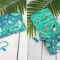 Cosmetic Roll With Zipper Pouch