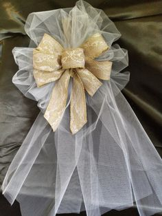 Wedding+Bows+Brown+Burlap+Ribbon+Bows+With+Lace+by+AsPrettyDoes