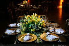 Tulipas amarelas em decoração de casamento. Foto: Edu Federice.