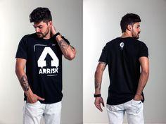 Camiseta ARRISK Tag, modelagem reta, 100% algodão, estampa em silk. Ref: A002 / R$99,00  /  Vendas WhatsApp: 99633-3563
