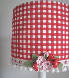 Gingham lampshade ~ oh so country. Can smell the strawberries and the cherries. Or maybe it's just because this lamp shade makes me think of strawberries and cherries. Gingham Fabric, Red Gingham, Craft Projects, Projects To Try, Red Cottage, Old Lamps, Home And Deco, Lamp Shades, Country Decor