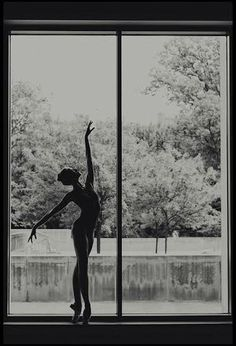 Find images and videos about dance, ballet and dancer on We Heart It - the app to get lost in what you love. Stars Night, Dance Like No One Is Watching, Fred Astaire, Dance Poses, Tiny Dancer, Ballet Photography, Ballet Beautiful, Beautiful Lines, Dirty Dancing