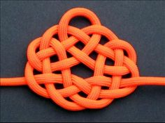 Witness to Your Splendor Celtic Knot  http://www.fusionknots.com/graphics/gallery/knots/Witness%20to%20Your%20Splendor%20Celtic%20Knot.html