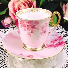 Pink Coffee Cups, Tea Cups, Chocolate Cups, Chocolate Coffee, Tea Riffic, Elegant Table Settings, Cup Art, Vintage Tableware, Tea Cup Saucer