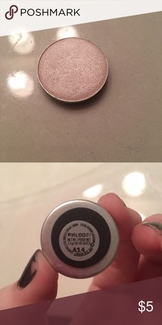 Mac eyeshadow The name is Phloof! It's a frosted off white color MAC Cosmetics Makeup Eyeshadow