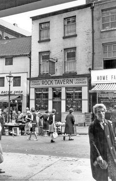 Rock Tavern, No 20, Dixon Lane, 1960-1965 Sheffield Pubs, Bramall Lane, Old Pub, South Yorkshire, Derbyshire, Old Photos, 1960s, The Past, Old Things