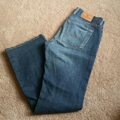 Lucky Brand jeans Size 27, worn but great condition. Lucky Brand Jeans Flare & Wide Leg