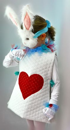 White Rabbit Costume Mask from Alice and Wonderland for Children.: