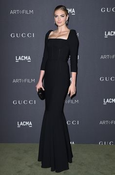 Kate Upton carrying CLOUD to the 2016 LACMA Art + Film Gala in Los Angeles.