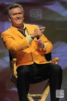 Bruce Campbell at his Salt Lake Comic Con 2014 panel.