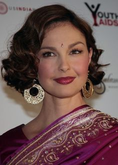 Ashley Judd Finger Wave hairstyle
