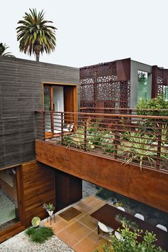 Architectural designer Sebastian Mariscal and project manager Jeff Svitak created a house in Venice, California.