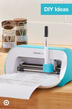 Check out Cricut ideas, fonts & accessories for DIY projects & kids' crafts that are easy & super fun! Diy Projects For Kids, Diy Home Crafts, Diy Arts And Crafts, Crafts For Kids, Fun Crafts, Cricut Ideas, Cricut Tutorials, Custom Starbucks Cup, Life Hacks For School
