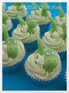 Cute dinosaur themed cupcakes x Dinosaur Cupcake Cake, Cupcake Torte, Dino Cake, The Good Dinosaur Cake, Dinosaur Cakes For Boys, Dinosaur First Birthday, 2nd Birthday, Birthday Ideas, 1st Birthday Cupcakes