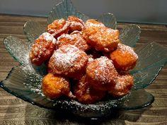 Mini pączki z serka Danio  Bardzo szybkie i proste w wykonaniu, mega delikatne w smaku i niesamowicie puszyste pączusie, które najlepiej smakują zaraz po upieczeniu. Robi się je naprawdę błyskawicznie, wystarczy wymieszać wszystkie składniki ciasta i już można smażyć  Składniki: 150g serka Danio waniliowego – małe opakowania 1,5 szklanki mąki 3 jajka 1,5 …