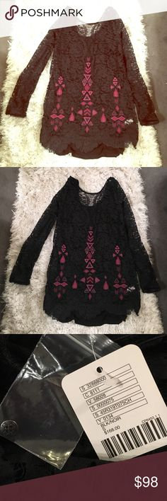 Brand new Free People dress/top New with tags, never worn- comes with extra button! Make an offer  Free People Dresses