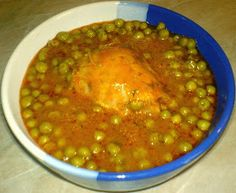 Peas With Chicken Romanian Food, Appetizers, Meals, Chicken, Ethnic Recipes, Drinks, Romanian Recipes, Drinking, Beverages