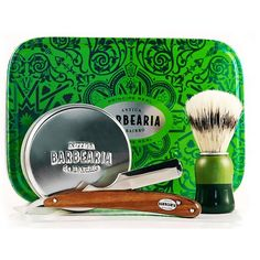 Barber kit for barbed men - Nice Christmas gift for the barbed. Love the green color of the box and the vintage design from Antiga Barbearia de Bairro . Hippie Chic, Best Christmas Gifts, Barber Shop, Green Colors, Box, Vintage Designs, Sunglasses Case, Bottle, Portugal