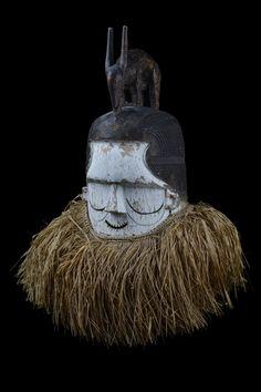 African Masks, African Art, Congo, Atelier D Art, Head Mask, Beautiful Mask, Ocean Art, Western Art, Tribal Art