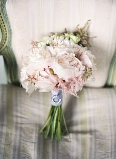 BRIDAL BOUQUETS - Weddings and civil partnerships   WildAbout
