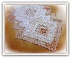 El goce de la aguja y el pincel: 35 Annual Hardanger Embroidery Design Contest