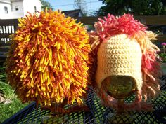 How to crochet a lion mane - free lion hat pattern Crochet Mitts, Crochet Lion, Crochet Beanie, Crochet For Kids, Crochet Baby, Knitted Hats, Slouch Hats, Free Crochet, Crotchet Patterns