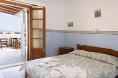 La Celestina Apartments || La Celestina Apartments is located 600 metres from Agios Anrgiros Beach and the centre of Naoussa. It offers self-catered accommodation and free Wi-Fi in communal areas.