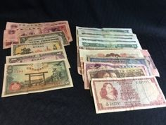 LOT OF PAPER CURRENCY FROM HONG KONG, BRAZIL, MALAYSIA, JAPAN, SOUTH AFRICA, ETC. ALL IN CIRCULATED CONDITION.