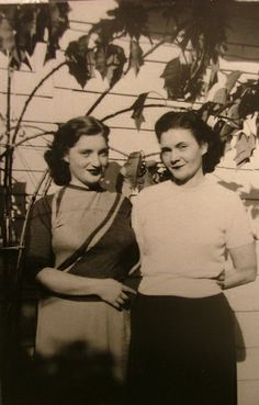 Great photo I found on Flickr of a Mom And Grandma, 1952, Long Beach, CA