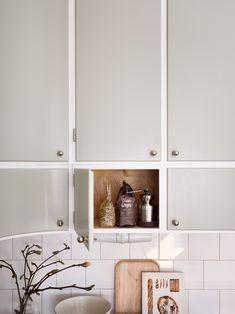 Luxury Homes Interior, Interior And Exterior, Kitchen Island Options, Swedish Kitchen, Loft Kitchen, Stylish Home Decor, Shabby Chic Homes, Simple House, Cool Kitchens