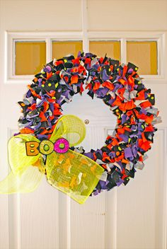 i should be mopping the floor: {Super Cheap} DIY T-Shirt Scrap Wreath for Halloween