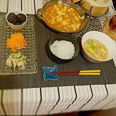 10/2の夜ご飯 - 9件のもぐもぐ - #小籠包 #麻婆豆腐 #キャベツと卵のスープ #ささみときゅうり、たまねぎの梅風味サラダ #ハムとにんじんのマリネ #ごはん #ぶどう by acomiracle726
