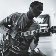 March 18 Leon Bridges As part of his 2016 North American headlining tour, Leon Bridges comes to Santa Barbara. The Texas native quickly grew in popularity after his album Coming Home was released. Neo Soul, Leon Bridges Coming Home, Grammy Museum, Yelawolf, Soul Singers, Show Video, American Tours, Today Show, Motown