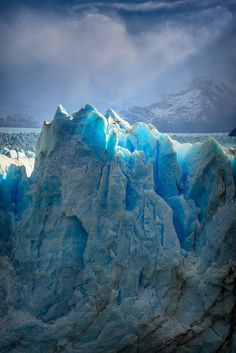 Glaciers of Patagonia - Argentina Travel and see the world How Beautiful, Beautiful World, Beautiful Places, Amazing Nature, Belle Photo, Beautiful Landscapes, The Great Outdoors, Science Nature, Wonders Of The World