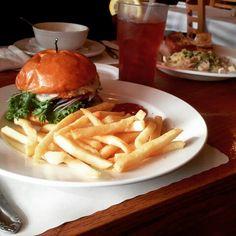 Friday lunch. #veggieburger #fries #icedtea #lunch