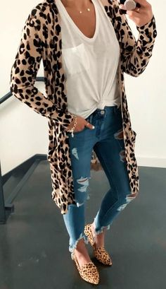 10 Stylish Fall Outfit inspiration & fashion tips for your perfect and cute fall outfits. The fall essentials you need to buy & how to mix and match to create stylish fall outfits. Trendy Summer Outfits, Fall Winter Outfits, Autumn Winter Fashion, Spring Outfits, Casual Outfits, Spring Clothes, Cute Jean Outfits, Casual Winter, Work Clothes