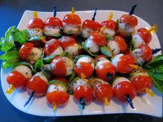Cherry Tomatoes and Fresh Mozzerella Cheese Marinated on little picks are Cute! Mozzerella, Thing 1, Cereal Recipes, Polenta, Original Recipe, Caprese Salad, Cherry Tomatoes, Clean Eating Snacks, Breakfast Recipes