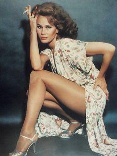 Karen Blanche Ziegler, conocida artísticamente como Karen Black, fue una actriz, guionista y cantautora estadounidense