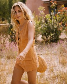 Exactly what I want to wear to the beach every day this summer 🌞