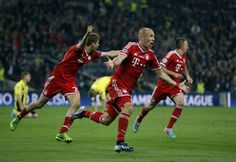 Robben celebrates winner at Wembley 2013