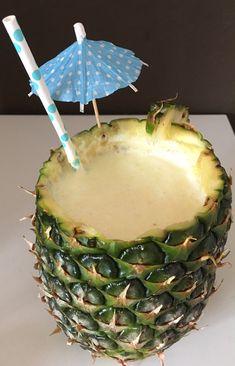 Wusstet Ihr, dass der Thermi auch Cocktails kann? Eigentlich fast logisch, weil er sonst ja auch alles kann, oder? Ich hab mir neulich einen Pina Colada gemixt – mit und ohne Alkohol und er war einfach nur lecker. Ihr wollt auch? Na, dann bitteschön. ;-)