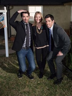 Brother Vs. Brother: Episode 1 Elimination. Watch Shannon's (Team Jonathan) exclusive exit interview. #BroVsBro (http://blog.hgtv.com/HGTVersus/2013/07/23/the-first-elimination-goodbye-shannon/?soc=Pinterest)