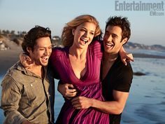 Emily Vancamp with Revenge tv show actors for Entertainment Weekly Magazine, Jan. 2012 Credit: EW
