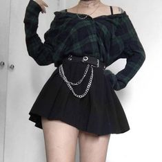 How To Style Grunge Aesthetic Fashion – Everything You Need To Know Egirl Fashion, Teen Fashion Outfits, Edgy Outfits, Grunge Outfits, Cute Casual Outfits, Grunge Fashion, Outfits For Teens, Pretty Outfits, Girl Outfits
