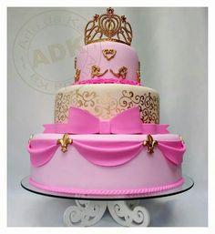 Bolo Princess by Arte da Ka Pretty Cakes, Cute Cakes, Beautiful Cakes, Amazing Cakes, Seven Up Cake, Sweet 15 Cakes, Pink Princess Cakes, Princess Party, Cupcakes Decorados