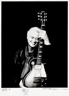 Nice recent picture of the #guitar legend Jimmy Page