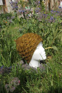 Bonnet Moutarde à torsades tricoté main de la boutique CedrikOttemin sur Etsy