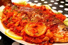 Un nou mod de a prepara pestele la cuptor Ratatouille, Tandoori Chicken, Shrimp, Sweet Tooth, Ethnic Recipes, Food, Essen, Meals, Yemek